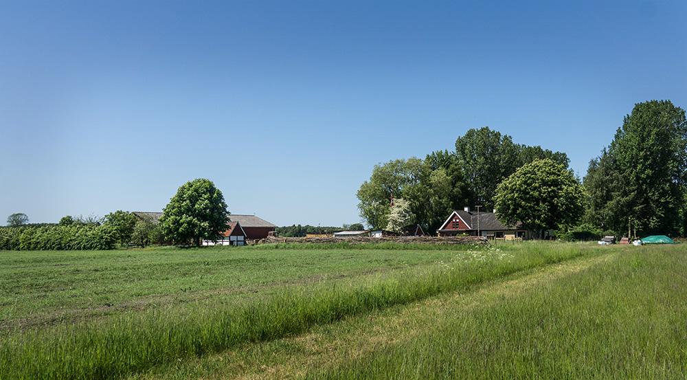 Tokkeruplund Farmhostel ligger på landet i Sydsjælland, omgivet af smuk natur.