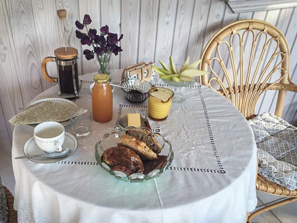 Du får serveret hjemmelavet, økologisk morgenmad på din grønne ferie på refugiet i Faxe.